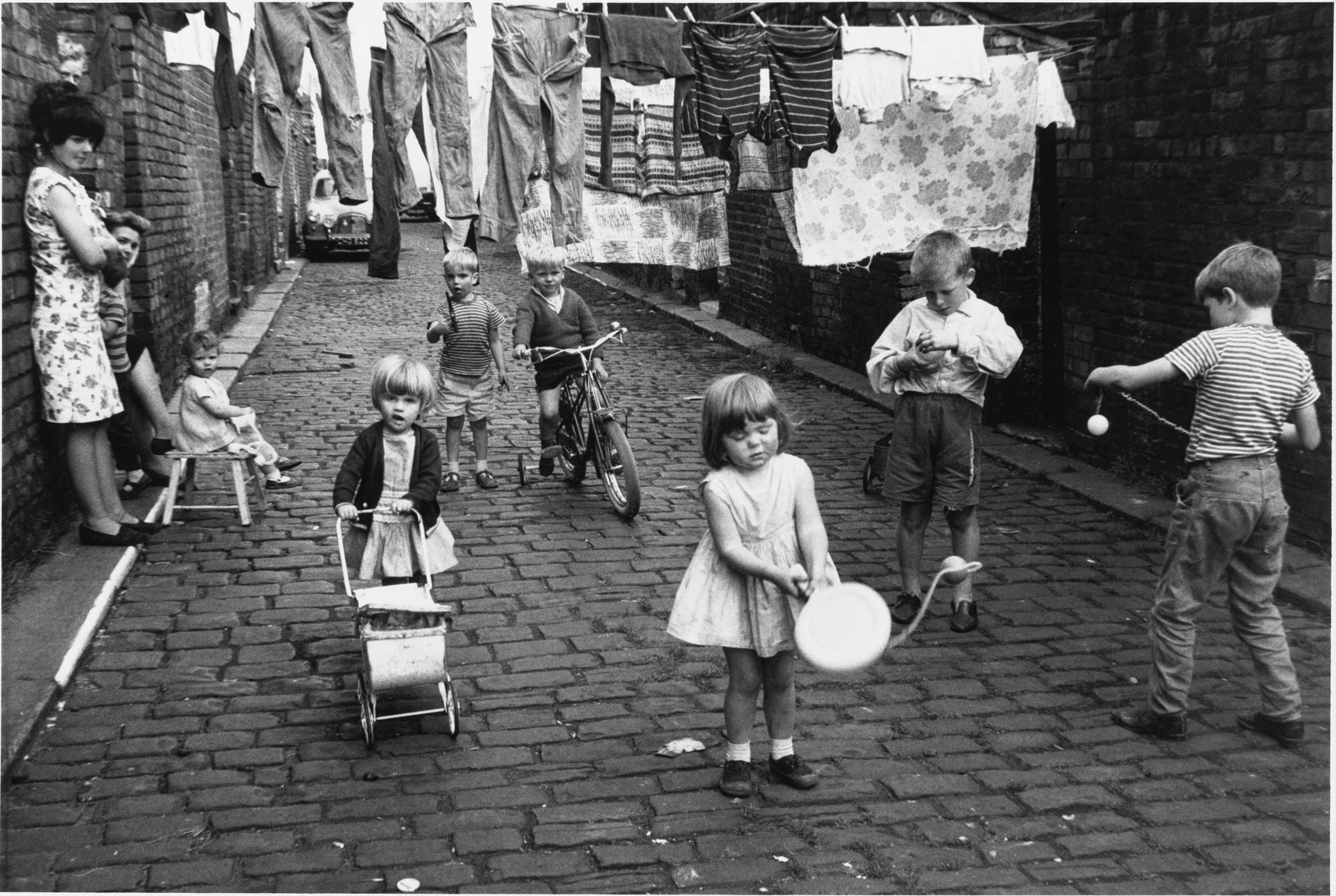 Manchester 1966 © Estate of Shirley Baker. Courtesy of The Photographers' Gallery