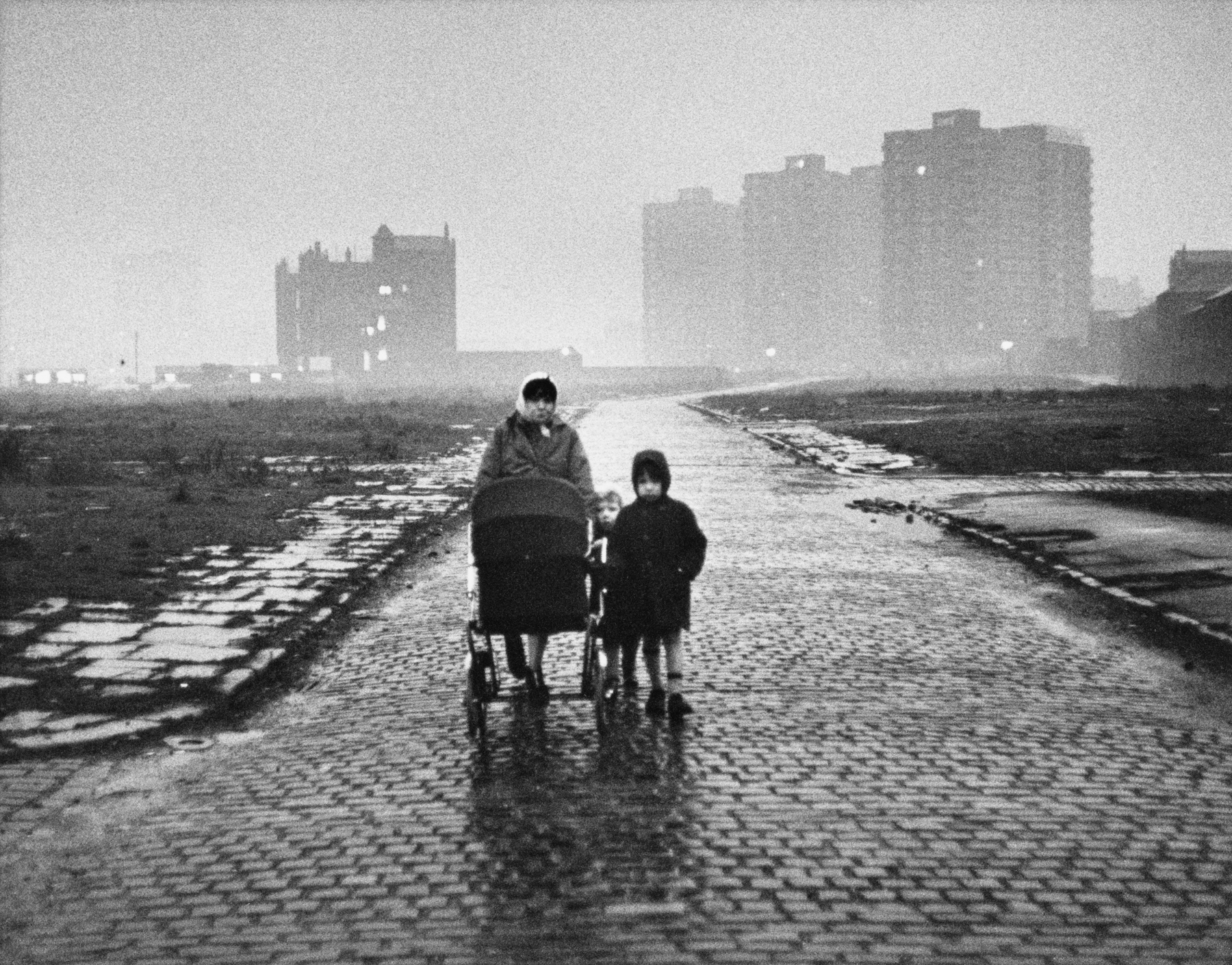 Salford 1964 © Estate of Shirley Baker. Courtesy of The Photographers' Gallery