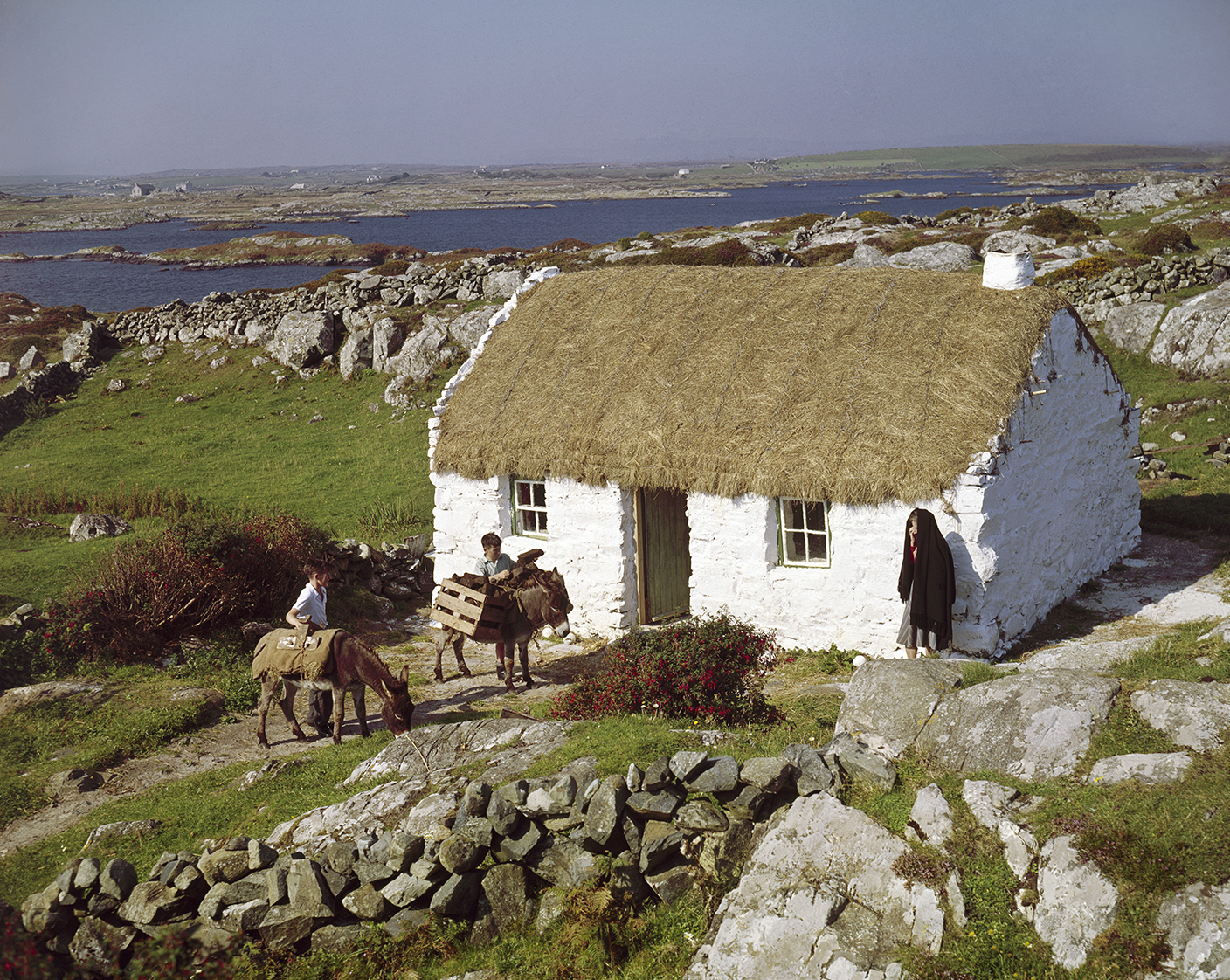 Miraculous Thatched Cottage Connemara Co Galway Ireland By John Interior Design Ideas Philsoteloinfo